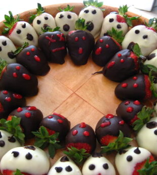 White Chocolate Strawberry Ghosts