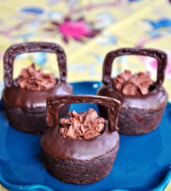 Cauldron Cakes (Chocolate Cupcakes filled with Chocolate Mousse)