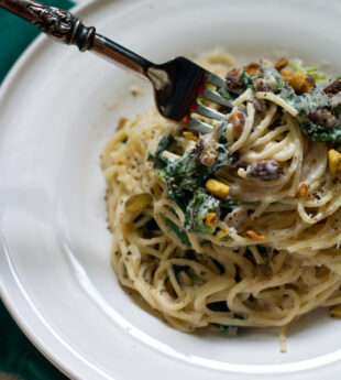 Creamy Ricotta Kale Pasta